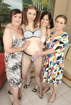 Free Pregnant Teen Porn Pictures