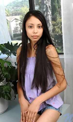 Free Latina Teen Porn Pictures